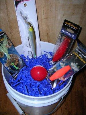 Saltwater fishing gift basket skip007 for Fishing gift basket