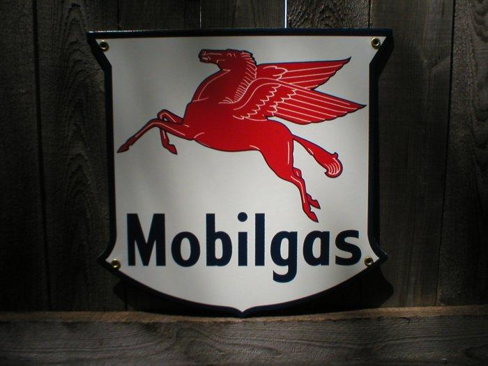 MOBILGAS SHIELD PORCELAIN COAT SIGN