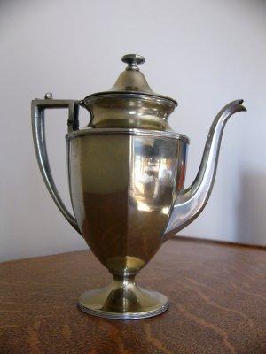 SHEFFIELD USA Silverplate COFFEE POT pattern NO 0606 circa 1930 - 1940