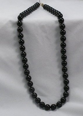 Vintage black bead stone 23-inch necklace gold clasp