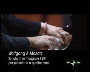 Mozart:  Sonata in re maggiore per pianoforte a quattro mani K. 381 DVD