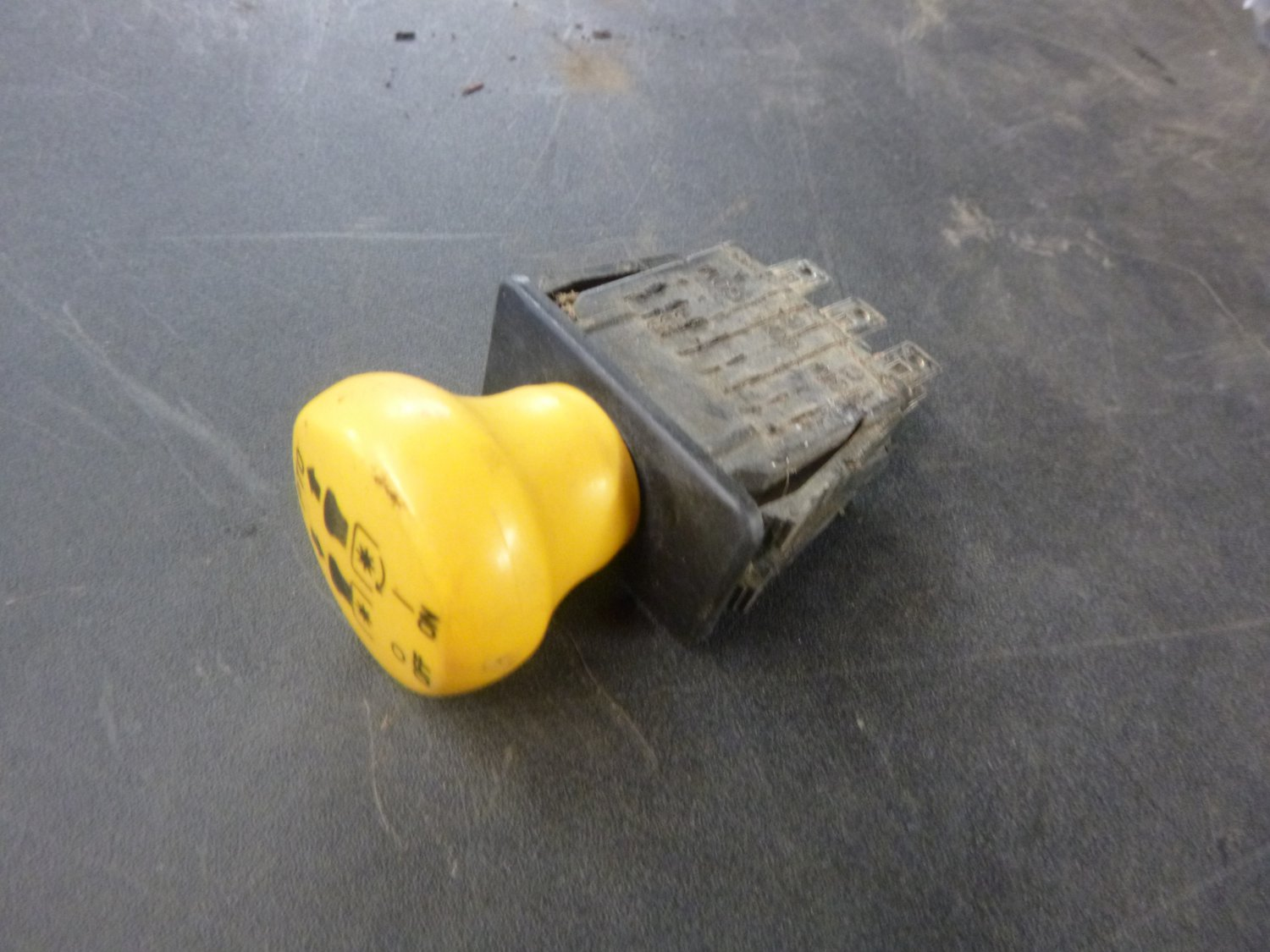 Cub Cadet GT1554 Electric PTO Switch 725-04175