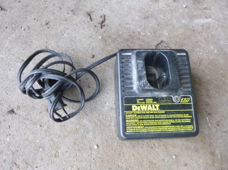 DeWalt DW9106 XR Battery Charger