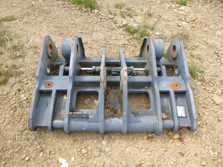 JRB Case 821E / New Holland W190 Quick Coupler