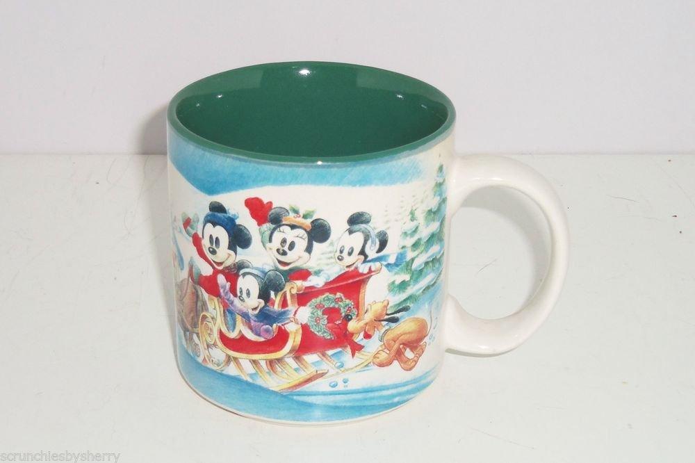 Disney Store Coffe Mug Mickey Mouse Donald Duck Winter Wonderland 1996 Vintage