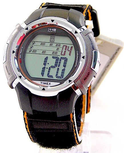 T5G071  NEW MENS TIMEX T5G071 DAILY ALARM SPORTS WATCH
