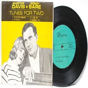 "SKEETER DAVIS & BOBBY BARE Tunes For Two MALAYSIA   7"" 45 RPM EP"