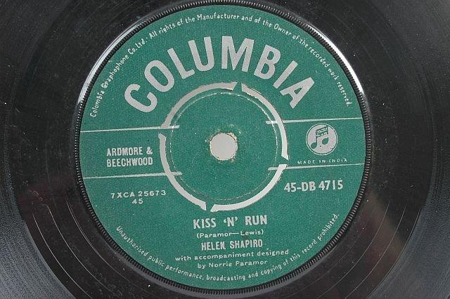 """HELEN SHAPIRO Kiss N Run ASIA 7"""" 45 Rpm - INDIA"""
