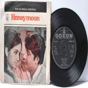 "BOLLYWOOD INDIAN  Honeymoon USHA KHANNA Kishore Kumar ASHA BHOSLE 7"" 45 RPM EMI odeonEP  1972"
