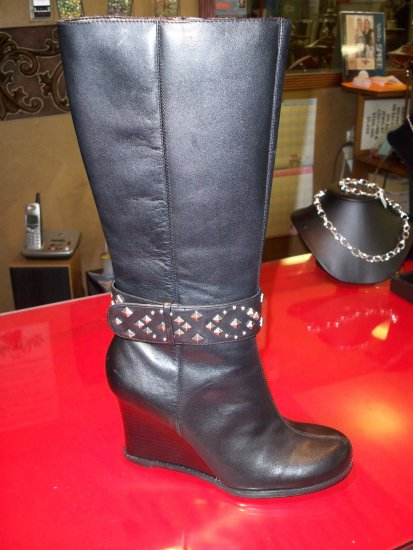 Citywalk Boots from Yellow Box - Size 6