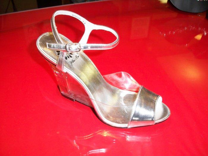 Silver, Bermuda Dress Shoe from Yellow Box - Size 8