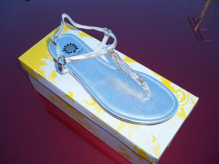Silver Flip Flop w/ Rhinestones - Size 8