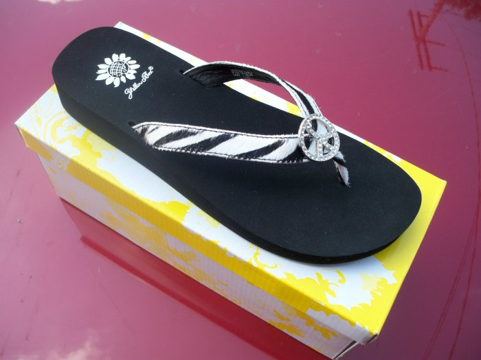 Lake, Zebra Print Flip Flop from Yellow Box, Size 6.5
