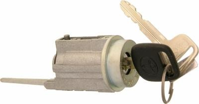 1995-2003 Toyota tacoma or pre runner pick up truck iginition lock  c30-140