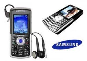 Samsung SGH-I300x Tri-Band GSM Camera Bluetooth Smartphone with 4 GB Hard Drive (Unlocked)