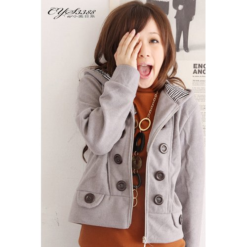 T9-Grey big-button fleece jacket
