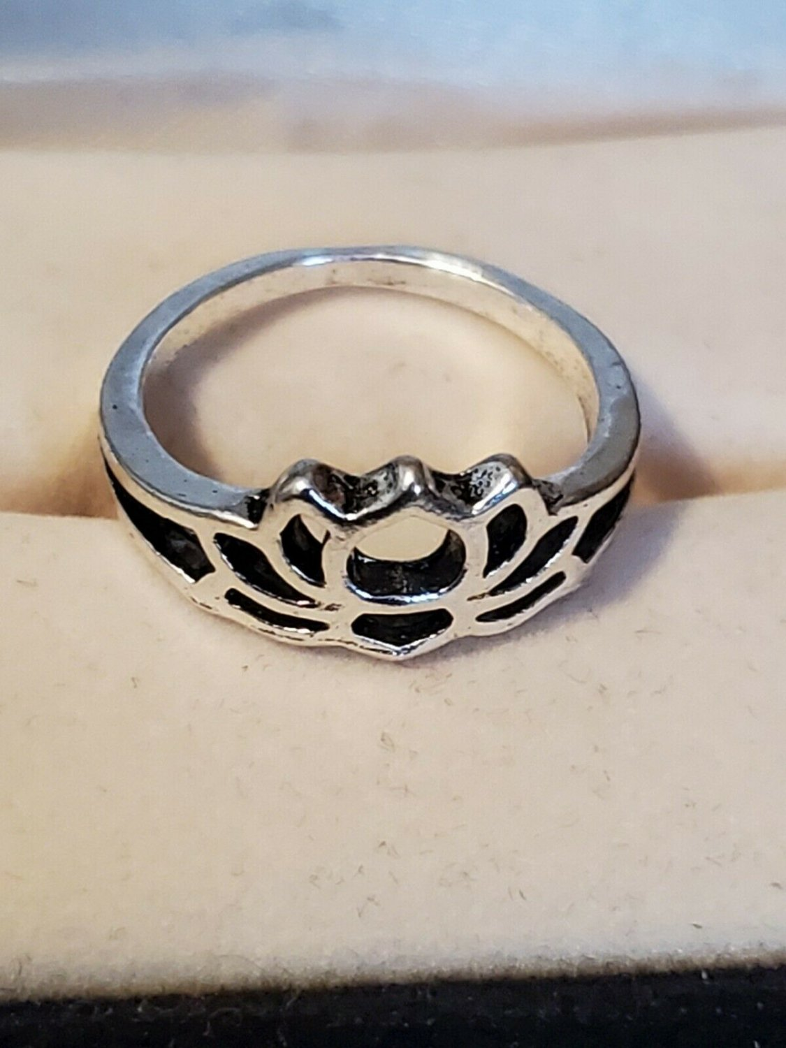 Size 5 Silver Tone Lotus Flower Toe or Finger Ring Women Teen Kid Jewelry Style
