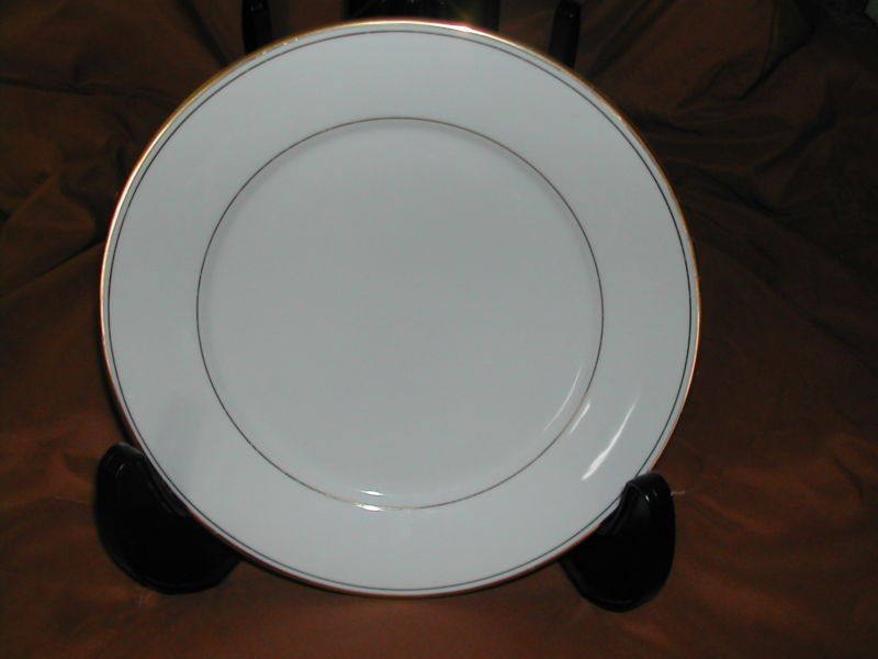 "Infinity by MUIRFIELD CHINA Dinner Plate 10-1/2"" Gold Trim & Bands Excellent"