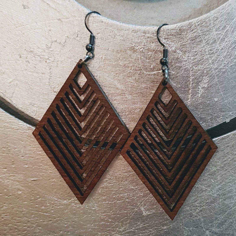 2pcs/lot dangle/wire-hook type wooden earrings (55mm x 40mm)