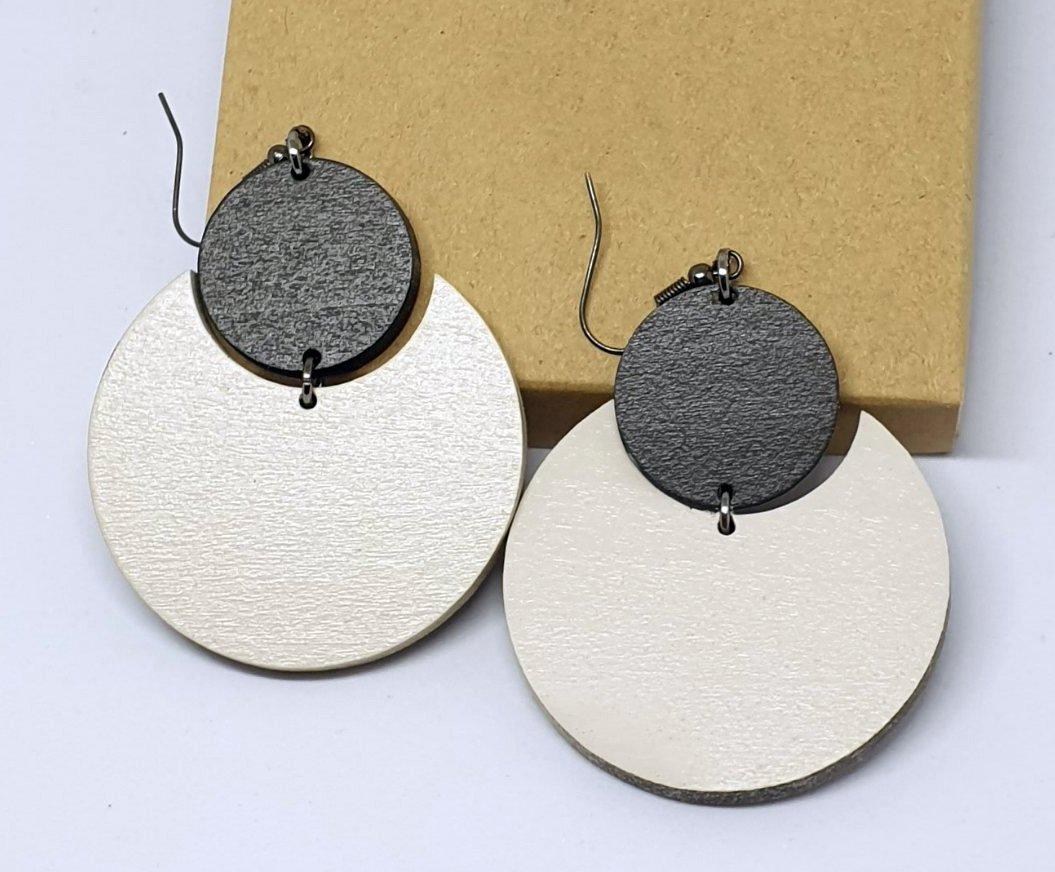 2pcs/lot dangle/wire-hook type wooden color earrings (diam: 50mm)