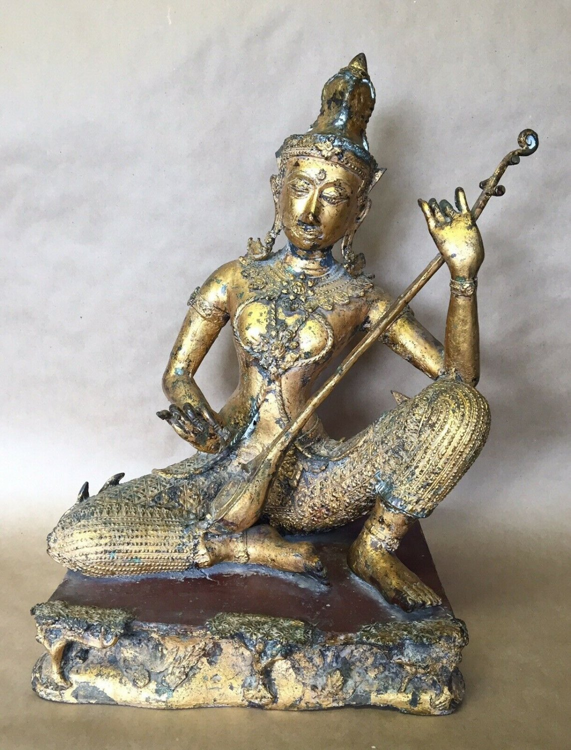 ANTIQUE THAI BUDDHA PLAYING INSTRUMENT SCULPTURE STATUE GOLD GUILTED BRONZE 17c