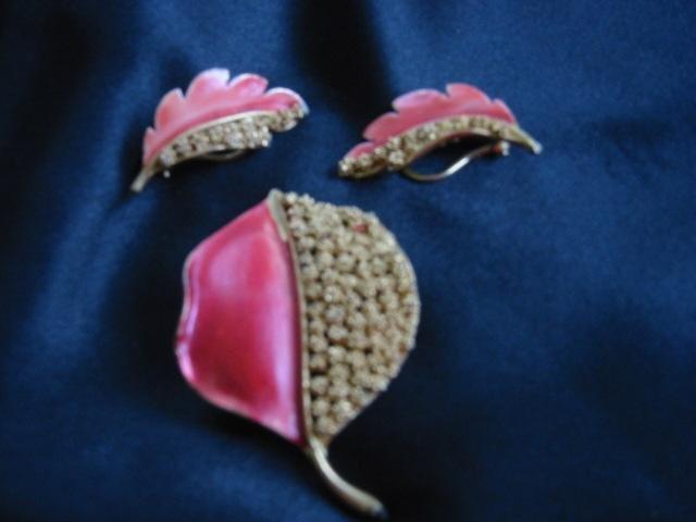 Lacy gold Pink Enamel Leaf pin Clip Earrings Set signed BSK