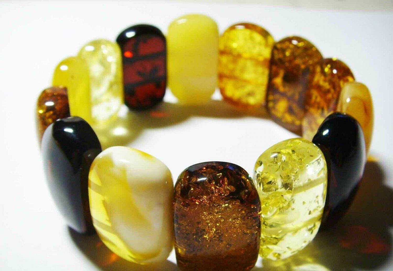 Massive Amber bracelet Genuine Baltic Amber colorful pieces elastic 30 gr. A-19