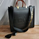 FENDI LUXE LADIES 'BAG NATURAL LEATHER Size 37 × 33 cm black color (107123)