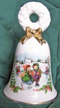 Avon Christmas Bell 1986 Nostalgic Skating Scene Wreath Handle Gold Trim