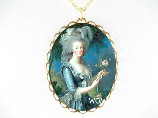 QUEEN MARIE ANTOINETTE ROSE PORCELAIN CAMEO NECKLACE
