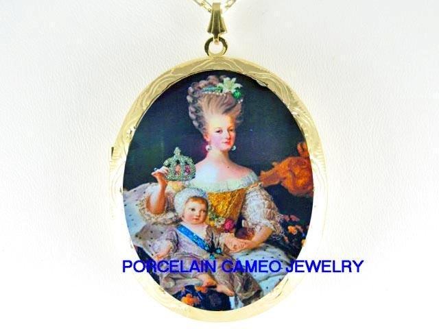CROWN QUEEN MARIE ANTOINETTE CAMEO PORCELAIN LOCKET NK