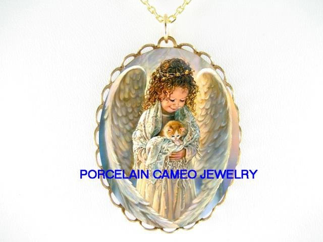 ANGEL HOLDING KITTY CAT PORCELAIN CAMEO PENDANT NECKLACE