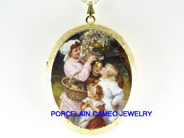 MOTHER AND DAUGHTER CHILDREN PICKING APPLES  *  CAMEO PORCELAIN LOCKET NECKLACE