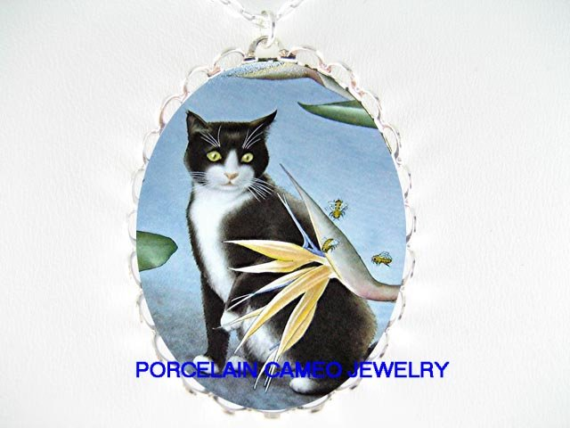 BLACK WHITE CAT BIRD OF PARADISE AND BEE CAMEO NECKLACE