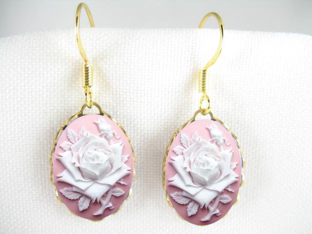 3D PINK WHITE ENGLISH OPEN ROSE VINTAGE CAMEO EARRINGS