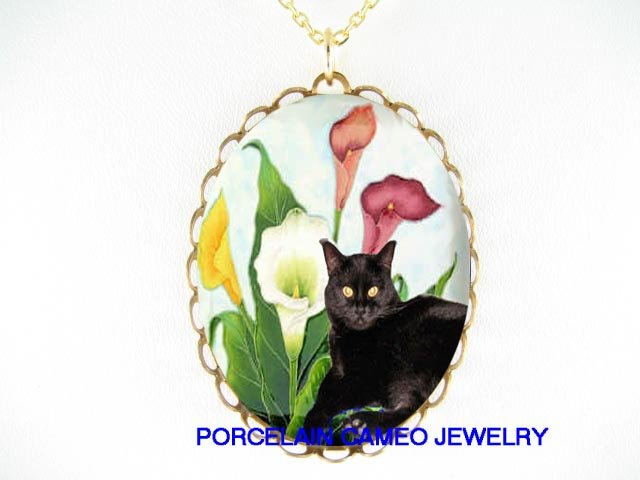 BLACK CAT WITH COLORFUL CALLA LILY * CAMEO PORCELAIN NECKLACE