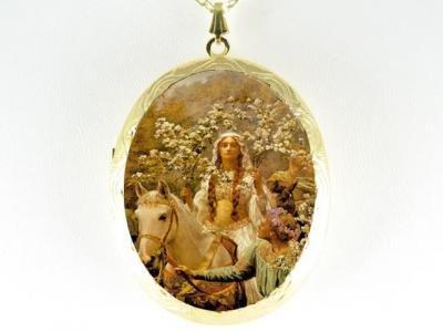 JOHN WATERHOUSE PRINCESS HORSE CAMEO PORCELAIN LOCKET