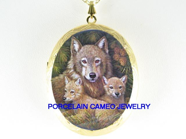 3 WOLF FAMILY MOM CUDDLE CUBS PORCELAIN LOCKET NECKLACE
