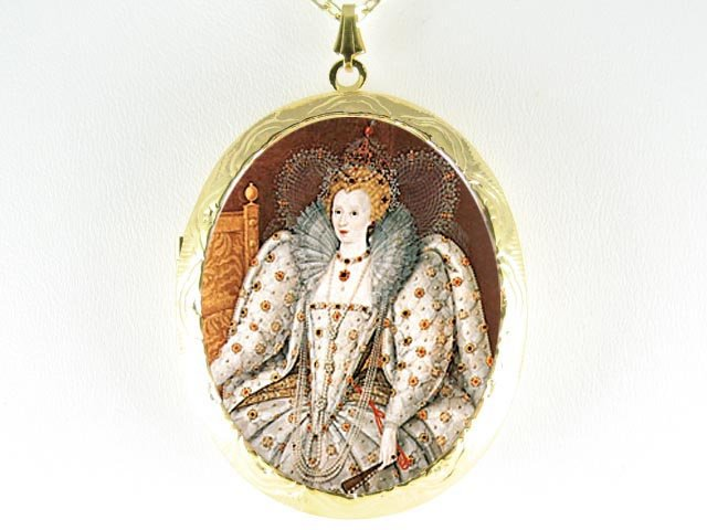 JEWELED QUEEN ELIZABETH  *  CAMEO PORCELAIN LOCKET NECKLACE