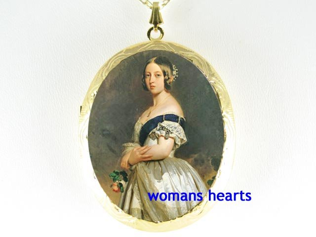 QUEEN VICTORIA ROSE PORCELAIN CAMEO LOCKET NECKLACE