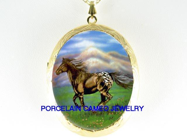 APPALOOSA HORSE RUN MOUNTAIN PORCELAIN CAMEO LOCKET NK
