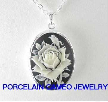 VICTORIAN BLACK WHITE ENGLISH OPEN ROSE VINTAGE CAMEO SMALL LOCKET NECKLACE