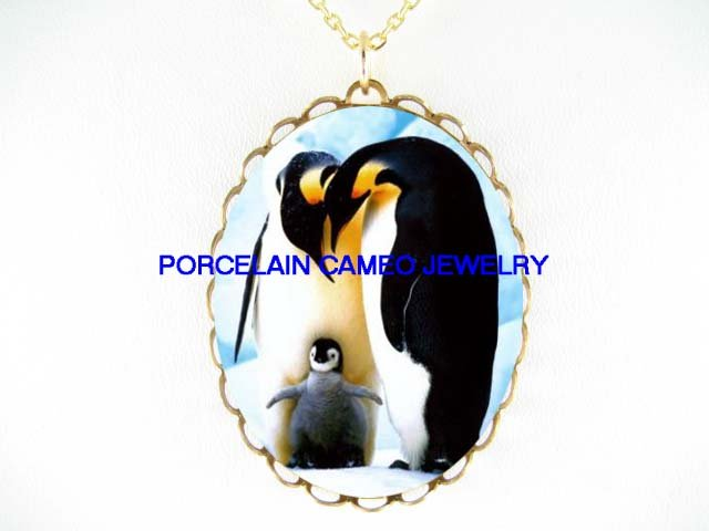 3 PENGUIN FAMILY   * CAMEO PORCELAIN NECKLACE