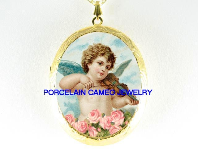 VICTORIAN ANGEL CHERUB PLAYING VIOLIN ROSE  *  CAMEO PORCELAIN LOCKET NECKLACE