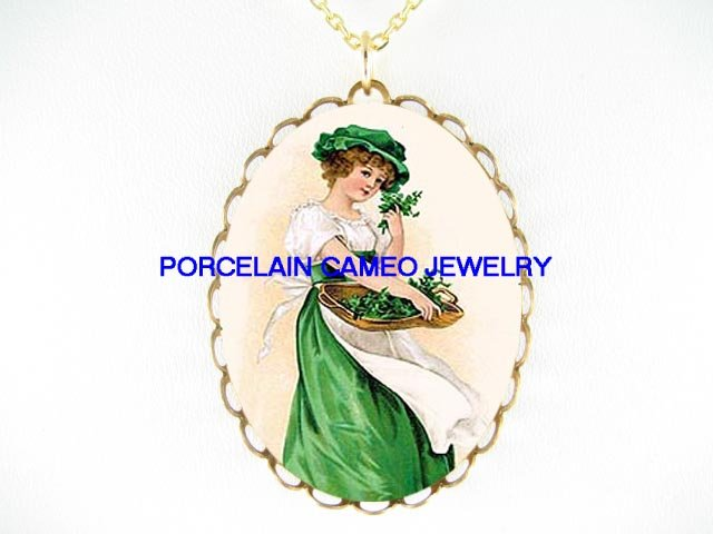 VICTORIAN IRISH SHAMROCK LADY CAMEO PORCELAIN NECKLACE