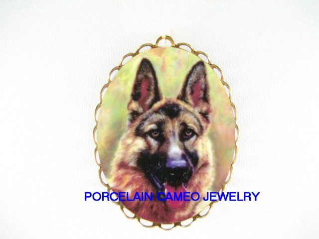 SMILING GERMAN SHEPHERD DOG *  CAMEO PORCELAIN PENDANT/PIN BROOCH