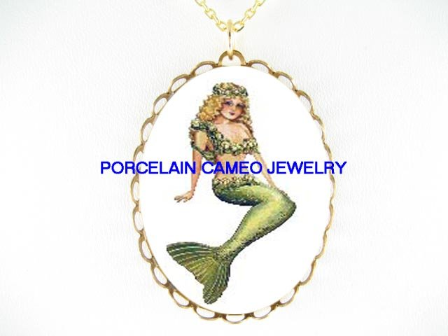 VICTORIAN VINTAGE MERMAID  CAMEO PORCELAIN NECKLACE