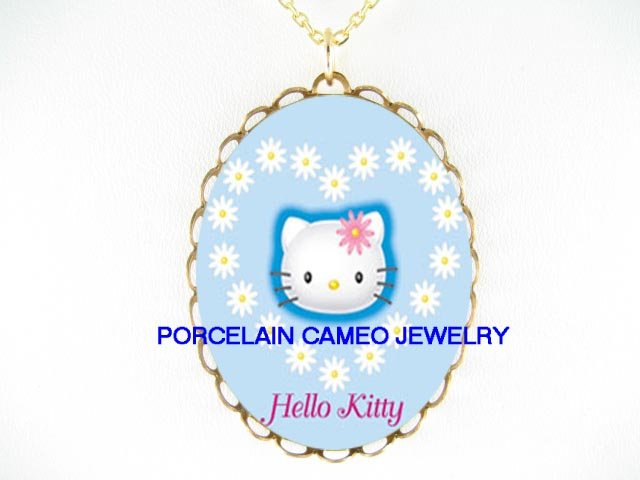 HELLO KITTY DAISY HEART CAMEO PORCELAIN NECKLACE