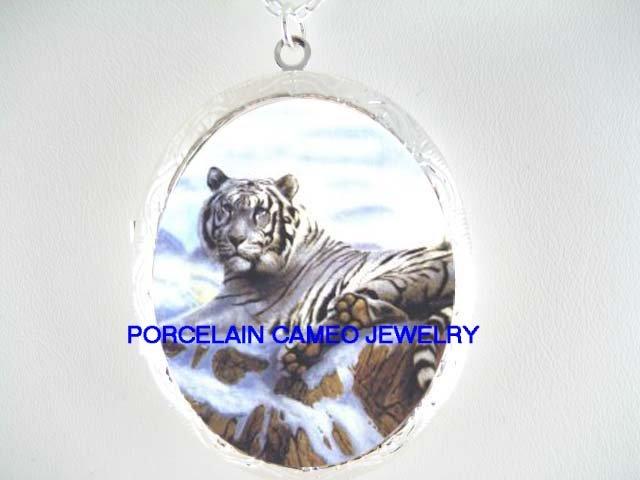WHITE TIGER SNOW MOUNTAIN CAMEO PORCELAIN LOCKET NECKLA
