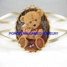 TEDDY BEAR HOLDING TEDDY BEAR BABY* CAMEO PORCELAIN VINTAGE HINGED BANGLE BRACELET